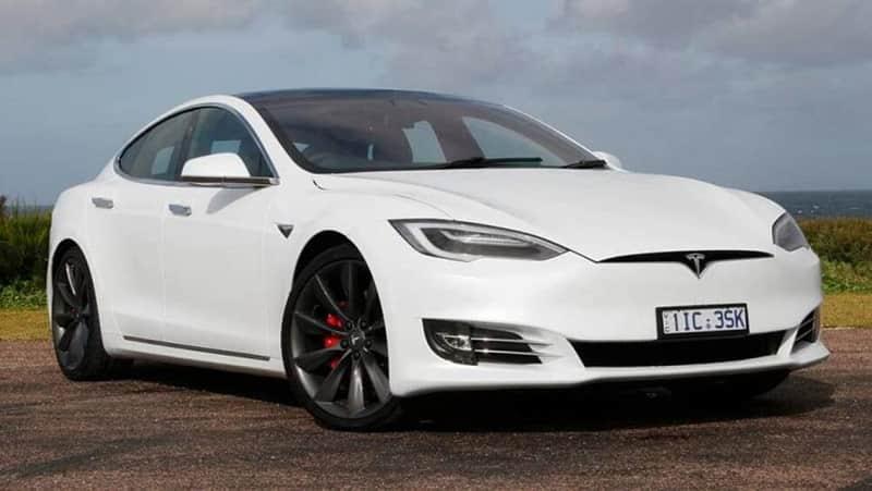 YourFitWay Tesla